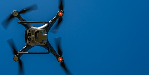 Kiedy powstał pierwszy dron?
